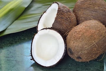 Coconut-Cooking-Oil-Food-And-Drink-Coco-Close-up_Medium